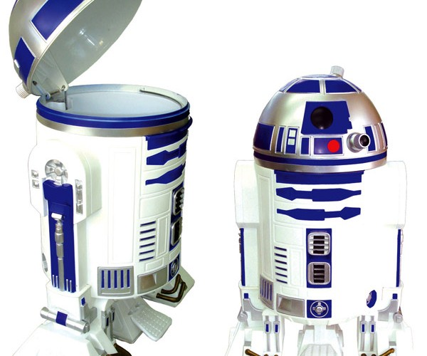 R2-D2 Garbage Can Too Nice for Trash