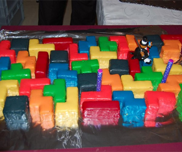 "Say ""I Do"" with a Puzzling Tetris Wedding Cake"