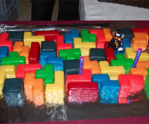 """Say """"I Do"""" with a Puzzling Tetris Wedding Cake"""