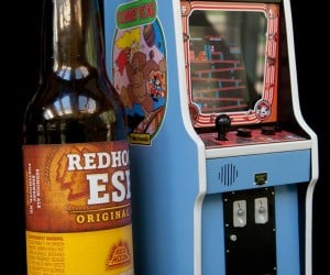 Tiny Donkey Kong Arcade Cabinet Even Plays Pac-Man