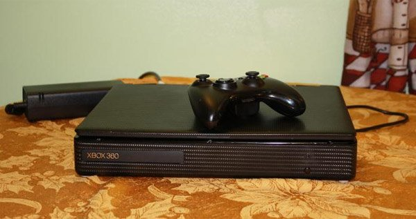xbox_360_slim_laptop_by_darkuncle_2