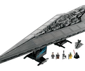 LEGO Darth Vader's Super Star Destroyer Executor Landing This Fall