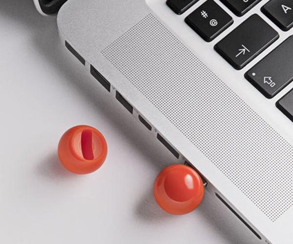 Billiard Ball Flash Drive: 8GB in the Side USB Pocket