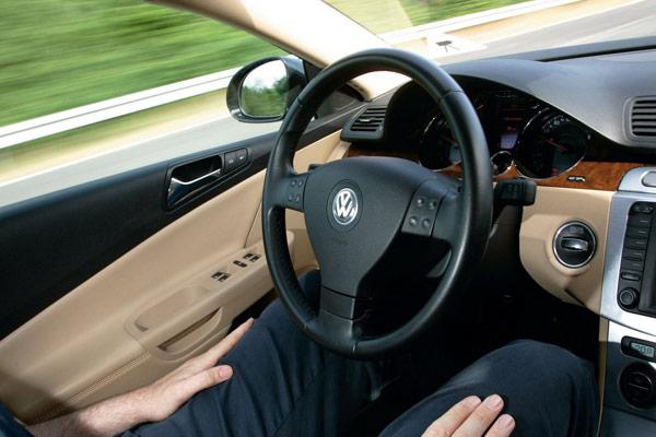 volkswagen auto pilot tap cruise control lane assist lasers radar