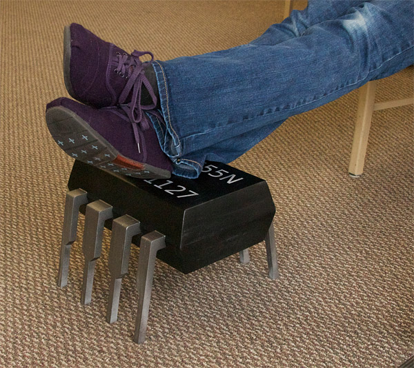 555_timer_chip_footstool_1