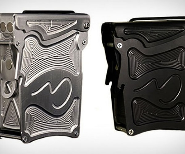 Alpinist Aluminum Case Keeps Your Camera Safe and Looks Good Doing It
