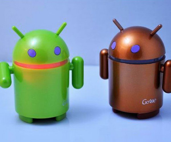 Android MP3 Speaker: What Looks Like a Droid and Sounds Like an Droid, But isn't an Droid?