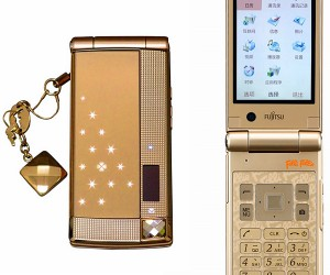 Fujitsu Folli Follie Mobile Phone Heads to China Smelling Like Perfume