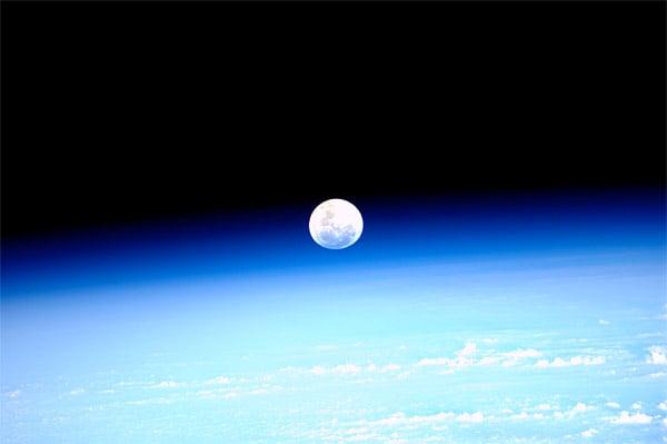 iss moon photo paulo nespoli