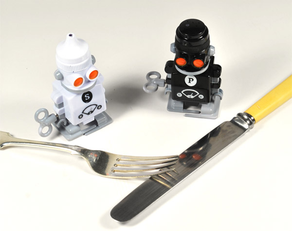 salt_pepper_bots_2