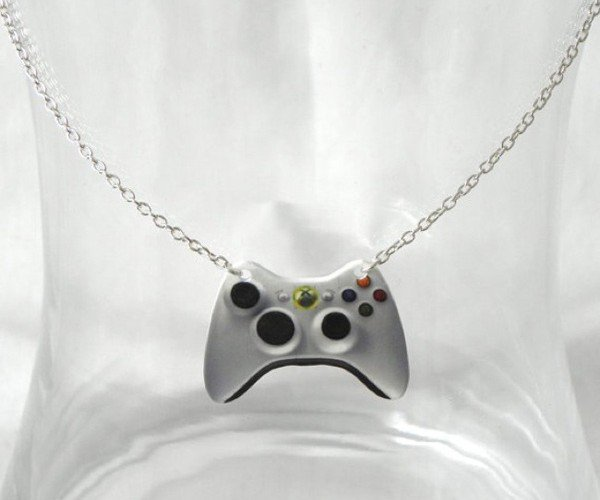 girl gamer necklace deadl pretty designs xbox 360 nintendo ds
