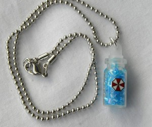071211 rg DeadlyPrettyNecklaces 07 300x250