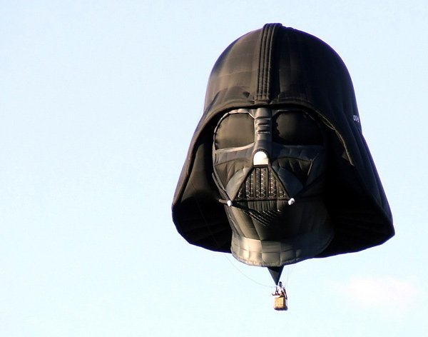 071611 rg DarthVaderBalloon 01