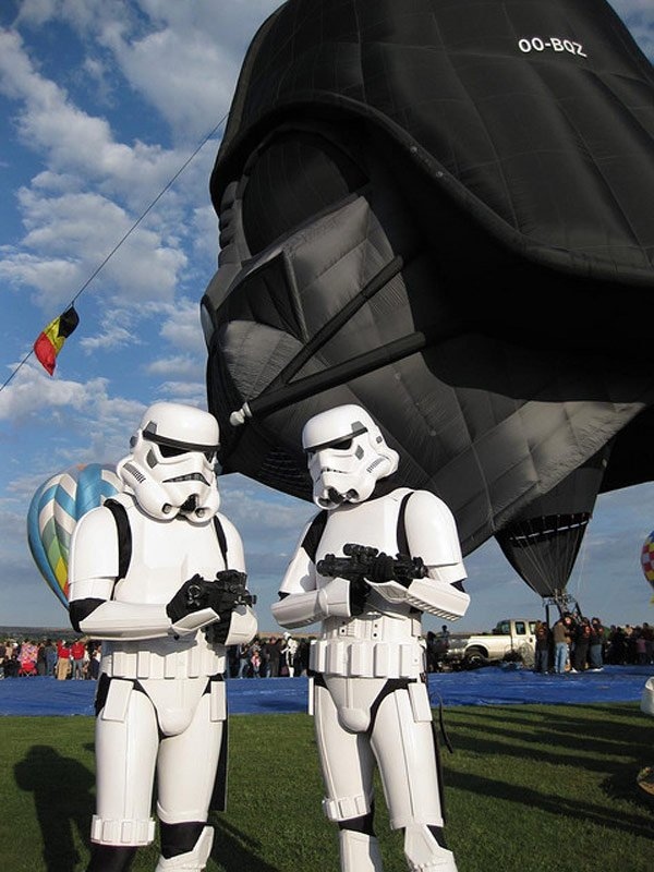 071611 rg DarthVaderBalloon 02