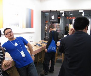 There Are Actually Full-Blown Counterfeit Apple Stores Now In China? Seriously?