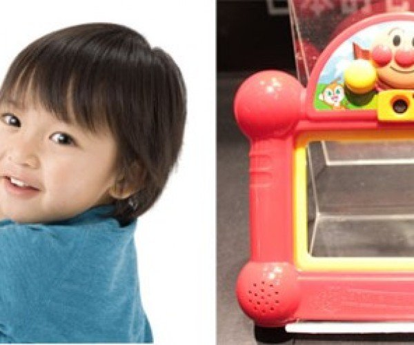 Anpanman Camera Gives Kids a Head Start in Digital Photography