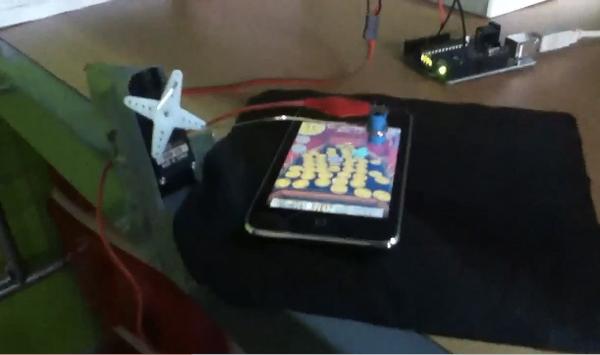 arduino based coin dozer robot by StijntjheYT