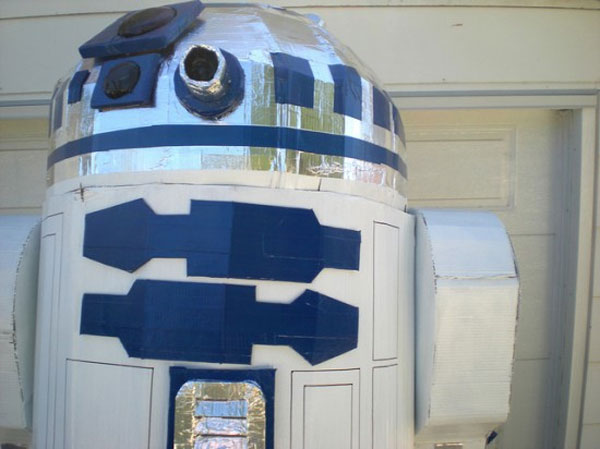 cardboard-duct-tape-r2d2-4