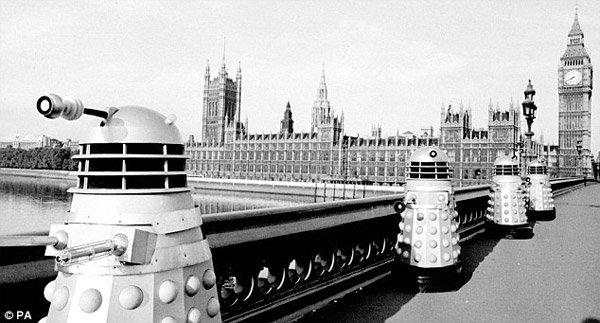 daleks entering london