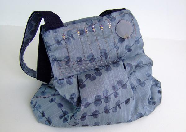deju vu concept rfid bag by Heidi Chen and Nicole Tariverdian
