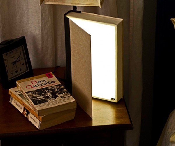 DIY Book Light is Quite Illuminating