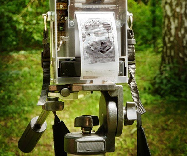 "DIY Camera Geek Makes His Own ""Instant"" Camera"
