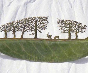 Artist Uses Leaves as a Canvas for Awesome Art