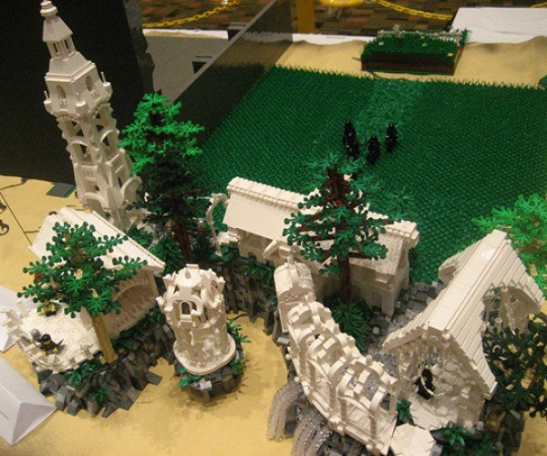 lego middle-earth at brickworld 2011 by the fellowship of the brick 4