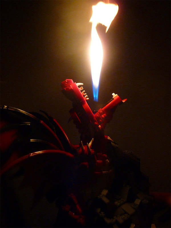 lego_fire_breathing_dragon_2