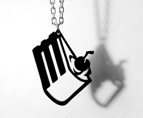 portal_cake_is_a_lie_necklace