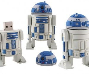 R2-D2 Gets Decapitated, Turned into Flash Drive