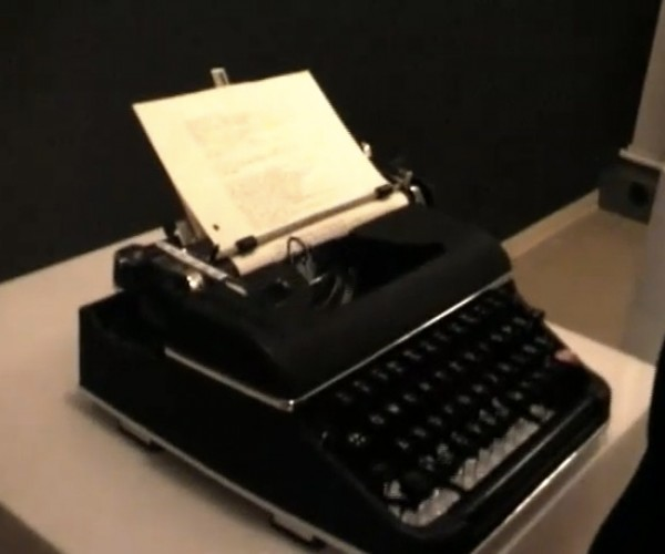 Stype Typewriter: Chat on Skype With Walternate