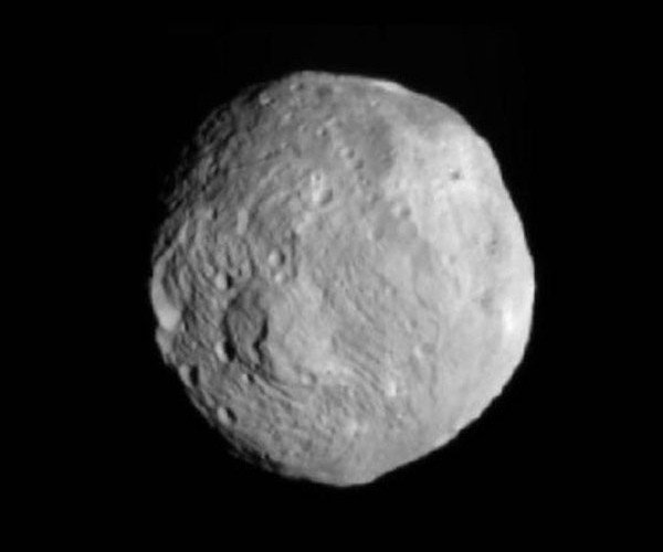 Dawn Spacecraft in Orbit around Vesta Asteroid, Bruce Willis Not Involved (Yet)