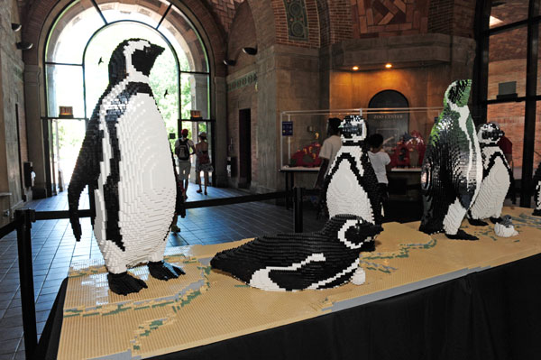 bronx zoo life-sized animals replica lego