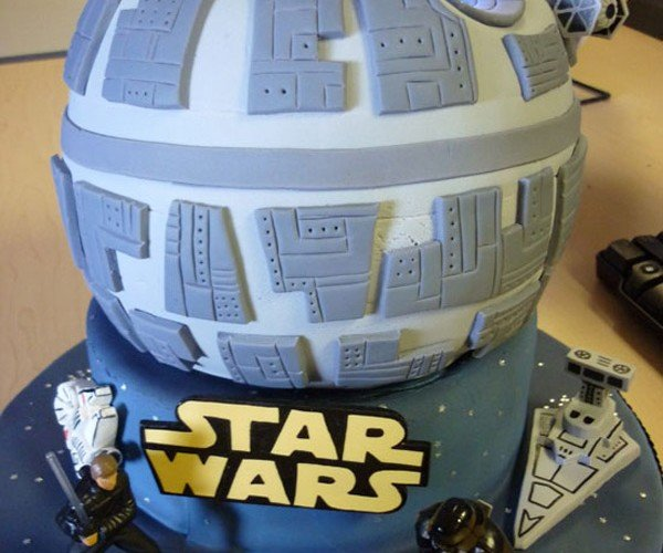 Death Star Cake Destroyed the Alderaan Cake