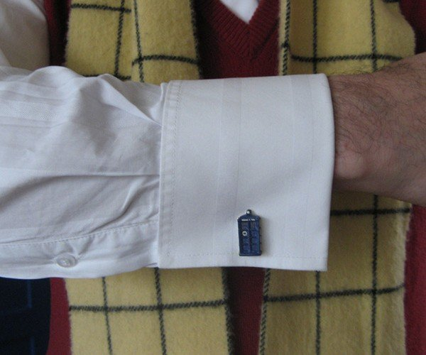 TARDIS Cufflinks: Do Doctors Wear Such Nice Shirts?