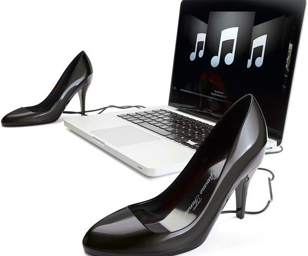 Gimme Tunes: Stylish (Yet Craptastic) USB Speakers for Fashionistas