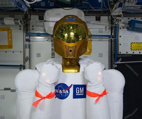 Robonaut 2 Tweets from Space