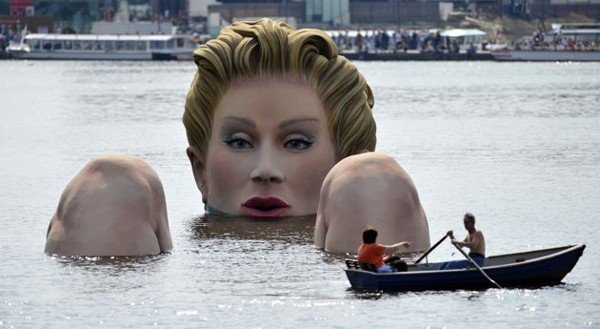 Hamburg's Alster Lake Giant Lady Statue1