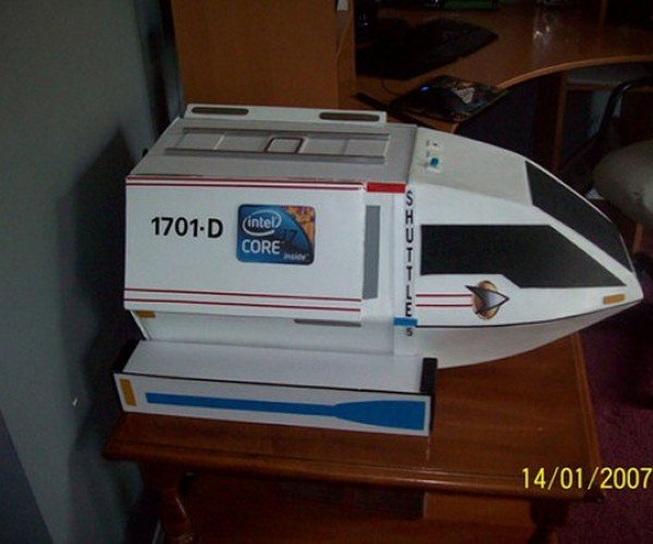 Star Trek Shuttlecraft Casemod with Intel Warp Core