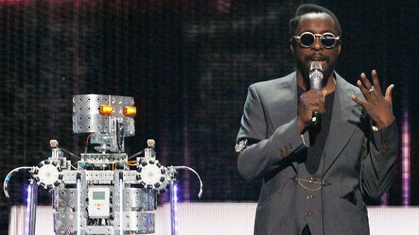 Will.i.am Wants to Build More Robots