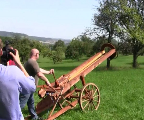 Epic Slingshot Cannon Fires Projectiles With the Power of Rubber Bands