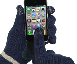 Isotoner smarTouch Gloves: Winter Won't Mean No Touchscreen