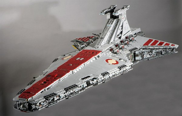 091411 rg LEGOStarDestroyer 01