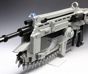 LEGO Gears of War Lancer Rubber Band Assault Rifle: No You Can't Use It to Play GOW 3