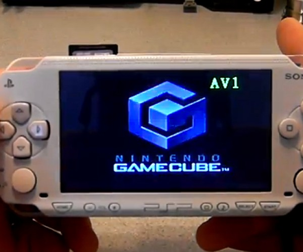 Fusion Micro Gamecube Portable Looks Like it Still Weighs as Much as a Gamecube, Still Awesome