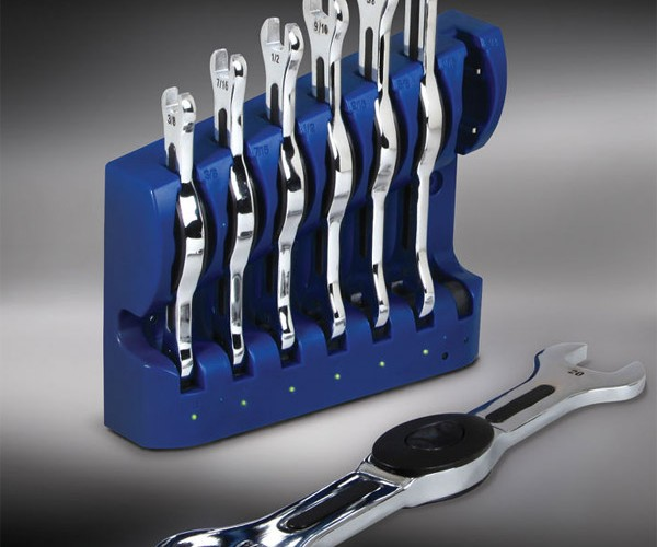 Rechargeable Illuminating Wrenches Let You Tighten Your Nuts in Dark Places
