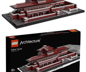 Frank Lloyd Wright's Famous Robie House Gets LEGO Treatment