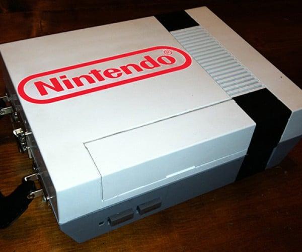 NES Lunchbox: Eat Bit