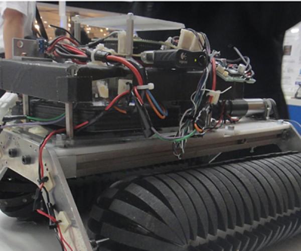 Omni-Crawler: Has the Wheel Finally Been Reinvented?